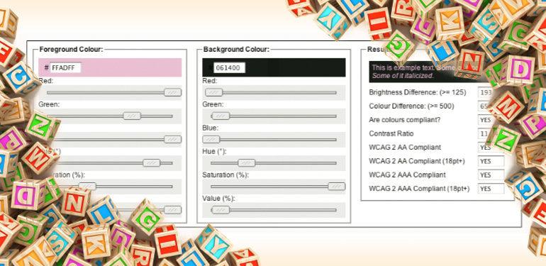 Bunte Buchstabenwürfel und Screenshot eines Farbcheckers im Internet
