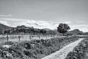 San Antonino aus der Ferne. SW-Aufnahme