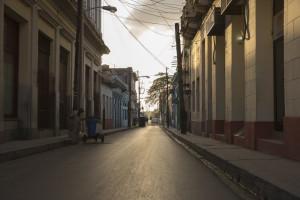 Verlassene Straße in Santa Clara, Cuba