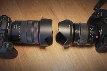 Fuji X-H1 mit XF16-55 2.8 Objektiv gegenüber der Canon EOS R mit RF24-105 f4 Objektiv.